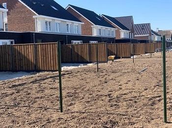 Nobifix houten schutting nieuwbouw beton palen