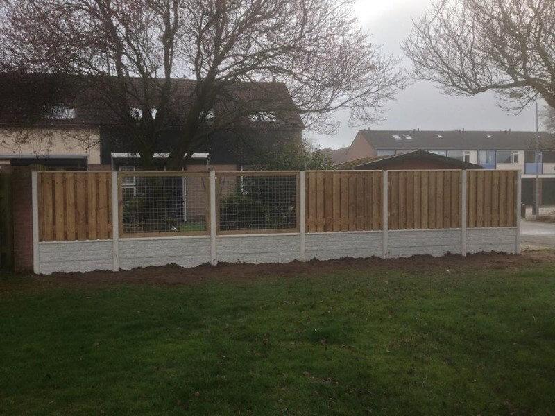 Schutting hout beton gaas wit tuin